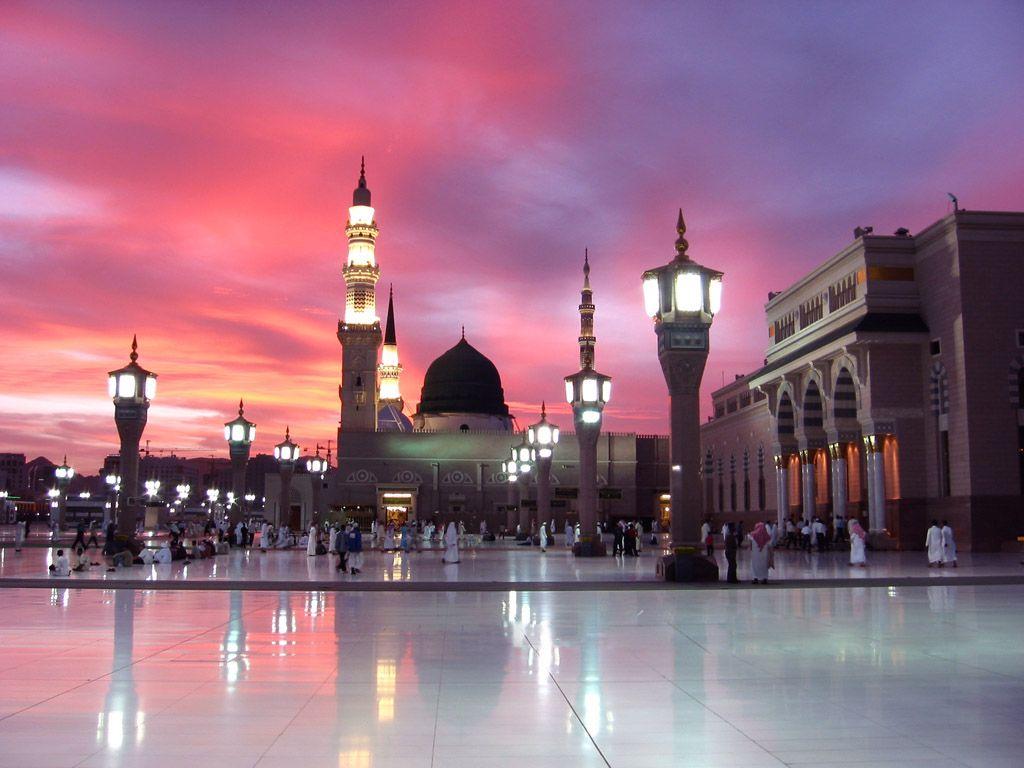 با صلوات وارد شوید( تصاویر حرم مطهر پیامبر عظیم الشان حضرت محمد (ص) )